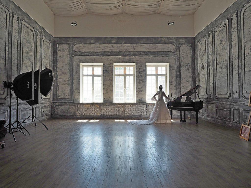 зал Ренессанс, студия с роялем, лофт с роялем и камином, фотостудия с роялем, зал для танцев, лофт в дворцовом стиле, лофт в аренду в москве