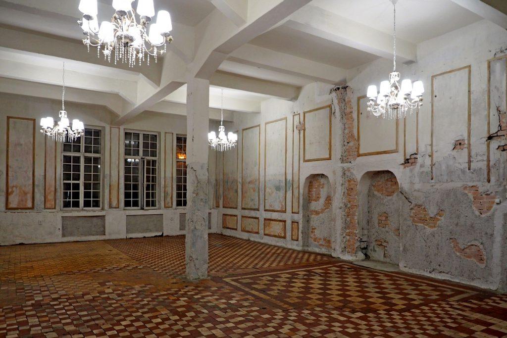 зал Кардинал, лофт в викторианском стиле, лофт в аренду, лофт с баром, фотостудия с дневным светом, лофт в стиле заброшки, лофт в аренду в москве